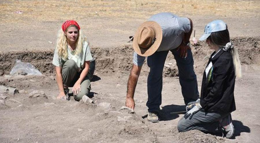 ل گرێ بەرازان ھەستیێن کو دیرۆکا وان ڤەدگەریتە 600 سالان بەری نھا ھاتنە دیتن